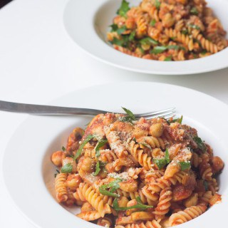 Savory Pasta With Chickpeas
